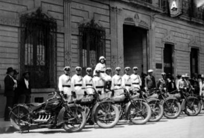 Motociclistas, retrato de grupo