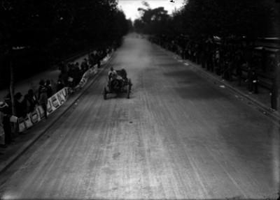 Agustín Escudero en una recta del circuito Chapultepec