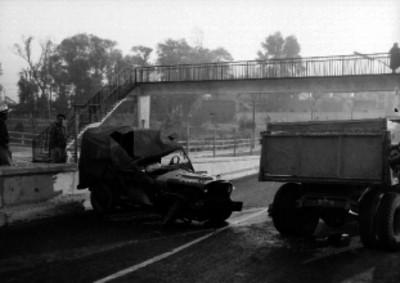 Choque de automóvil contra camión
