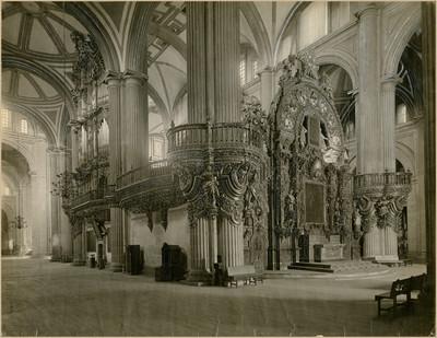 Altar del Perdón y Organo del Coro