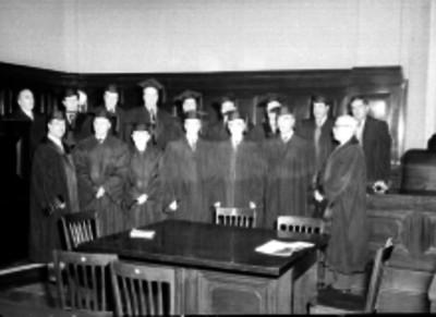 Ministros de la Suprema Corte en una oficina, retrato