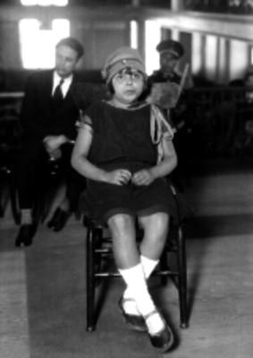 Niña durante un juicio