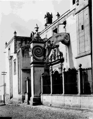 Iglesia del Sagrario, Fachada principal