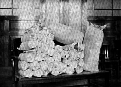 Paquetes de droga en un sillón