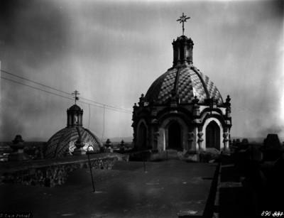 Iglesia de Nuestra Señora del Carmen, bóveda y cúpula exterior