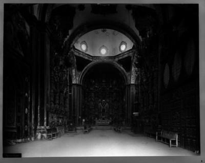 Iglesia de San Francisco Javier, nave principal, vista hacia el altar mayor