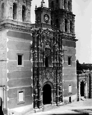 Iglesia de Dolores Hidalgo, portada principal