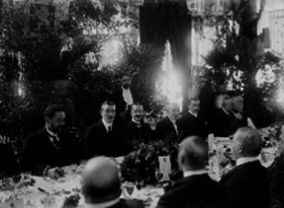 Henry Lane Wilson y otras personas durante un banquete