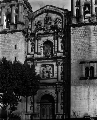 Iglesia de Santo Domingo, portada principal
