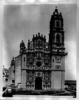 Iglesia de San Francisco Javier, fachada principal