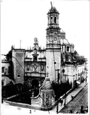 Iglesia de San Hipólito, fachada, vista parcial