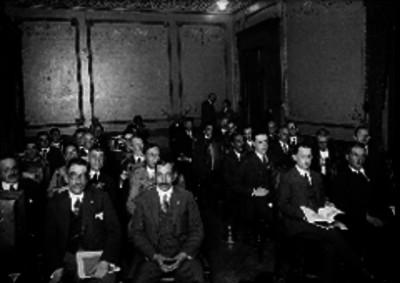 Asistentes a una reunión de la Cámara de Comercio
