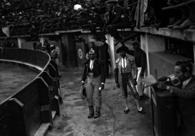 Juan Aguirre antes de entrar al ruedo durante una corrida de toros