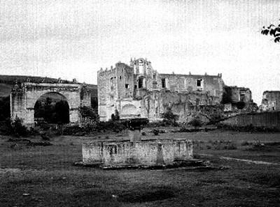 Convento del siglo XVI en ruinas