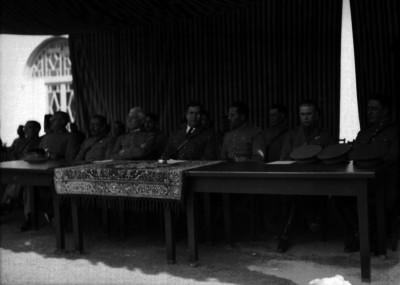 Manuel Ávila Camacho, Joaquín Amaro y otros militares presiden ceremonia al aire libre