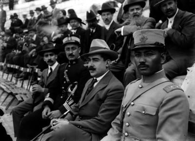 Joaquín Amaro y personalidades presencian ceremonia militar