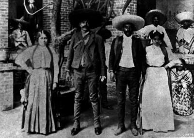 Emiliano y Eufemio Zapata en Cuernavaca, retrato de grupo