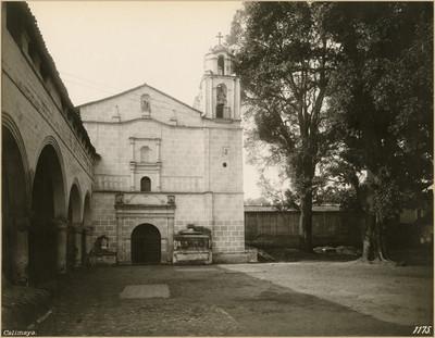 Capilla de la III orden junto a la parroquia de San Pedro y San Pablo, fachada