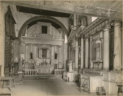 """Interior de la """"capilla del IIIer orden"""" franciscana, """"vista hacia el Altar Mayor"""""""