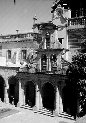 Hospicio Cabañas, detalle de fachada