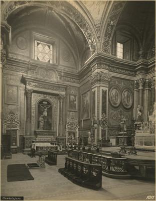 Altar en el crucero del Santuario de Guadalupe