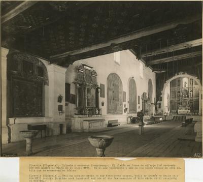 Vista hacia el altar mayor