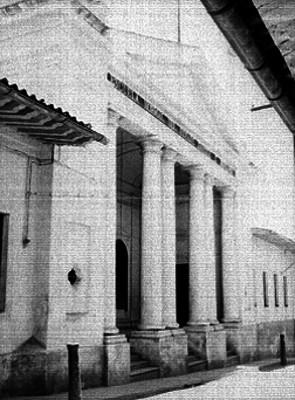Edificio de la escuela noemal del Estado Enrique C. Rebsamen, vista parcial