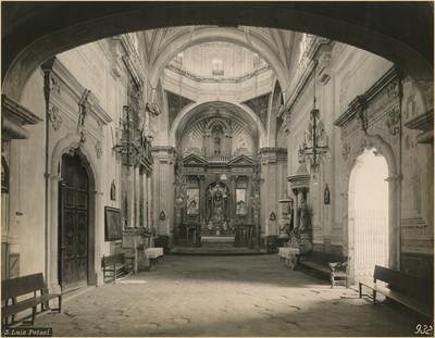 Vista hacia el altar mayor, parroquia de Santiago