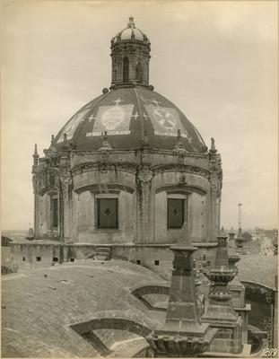 Vista de la cúpula y bóveda de la Iglesia de la Santísima Trinidad