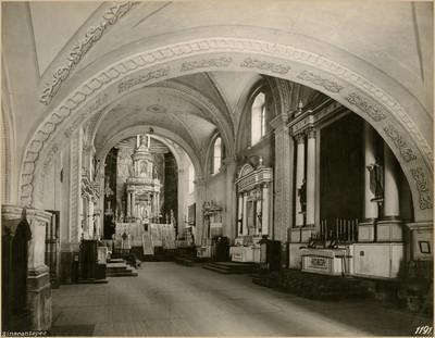 Vista del altar mayor en la Parroquia de San Miguel Arcángel en Zinacantepec