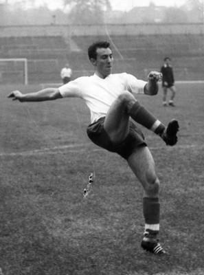 """John Charles del fútbol italiano"", entrena"