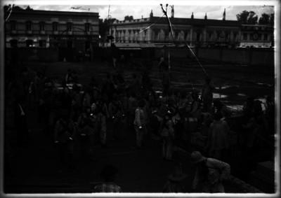 Tropas huertistas descargan parque en la estación de San Lázaro