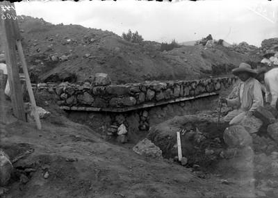 Vista de los trabajos de reconstrucción en Teotihuacan