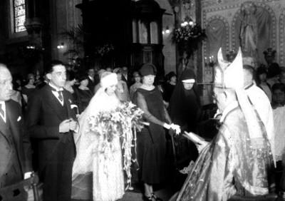 Enlace matrimonial religioso realizado or un obispo