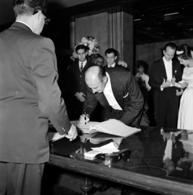 Matrimonio civil de Armando Uribe Bellinger