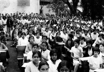 Estudiantes de la secundaria número 6, durante una ceremonia escolar
