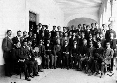 Maestros y cadetes, retrato de grupo