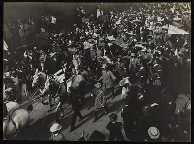 Entrada de Madero posterior a su toma de posesión como presidente