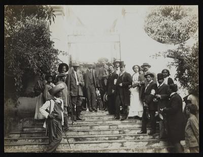 Francisco I Madero es recibido en Cuernavaca, retrato de grupo