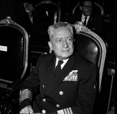 Manuel Zermeño Araico, contraalmirante, durante una asamblea de la cámara de diputados, retrato