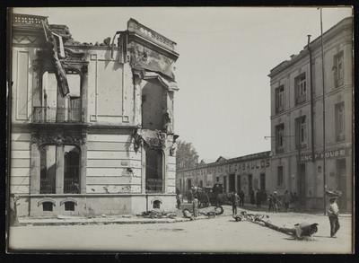 Destrucción de edificios en la calle de Balderas