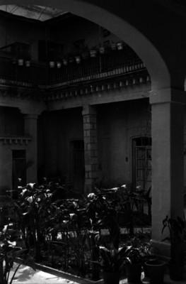 Patio, portales y pasillos de la casa donde estuvo el cuartel del ejército de Oriente al mando del general Porfirio Díaz