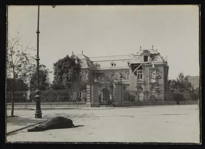 Casa de Scherer en calle Versalles, bombardeada