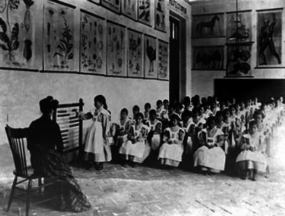 Alumnos durante una clase