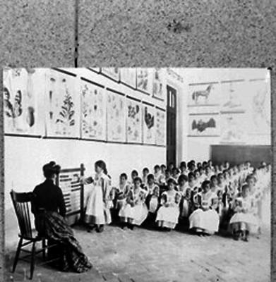 Alumnas durante una clase