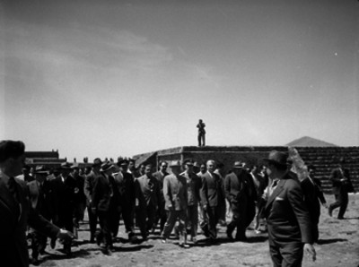 Harry S. Truman recorriendo la zona arqueológica de San Juan Teotihuacán