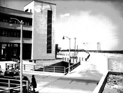 Edificio aduanal y paso a desnivel en Ladero