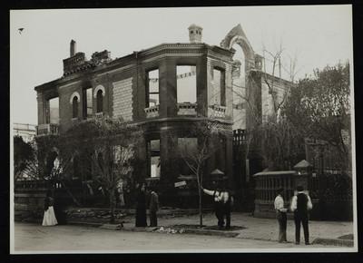 Casa de Francisco I. Madero en avenida Berlín después de su incendio