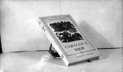 """Libro """"Caballo y Dios"""" de Fernando Benitez"""