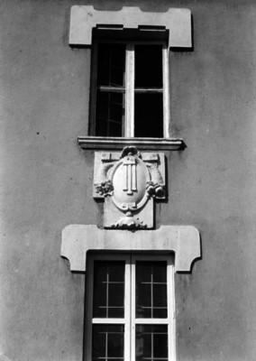 Nicho entre dos ventanas, vista frontal